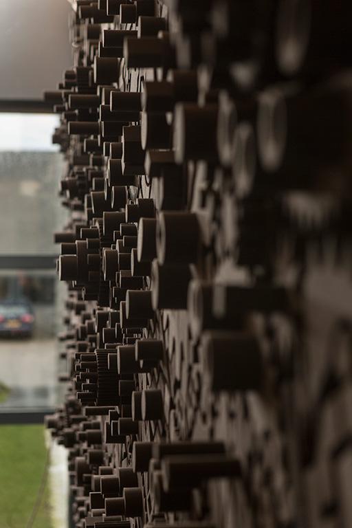 jan willem de laive delaive de lève delève de leve deleve dutchdesign dutch design interior plants artificial partition wall knotted chair acoustics hand-made local lamp shade natural fabric wool felt